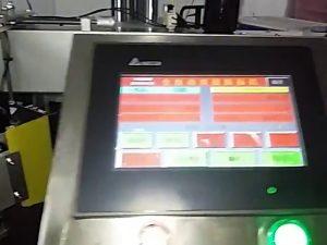 automātiska datorizēta etiķešu iespiedmašīna ruļļu uzlīmes plastmasas maisiņu etiķešu mašīna