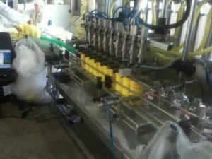 automātiska virzuļa niršanas sprauslu šampūna pildīšanas mašīna